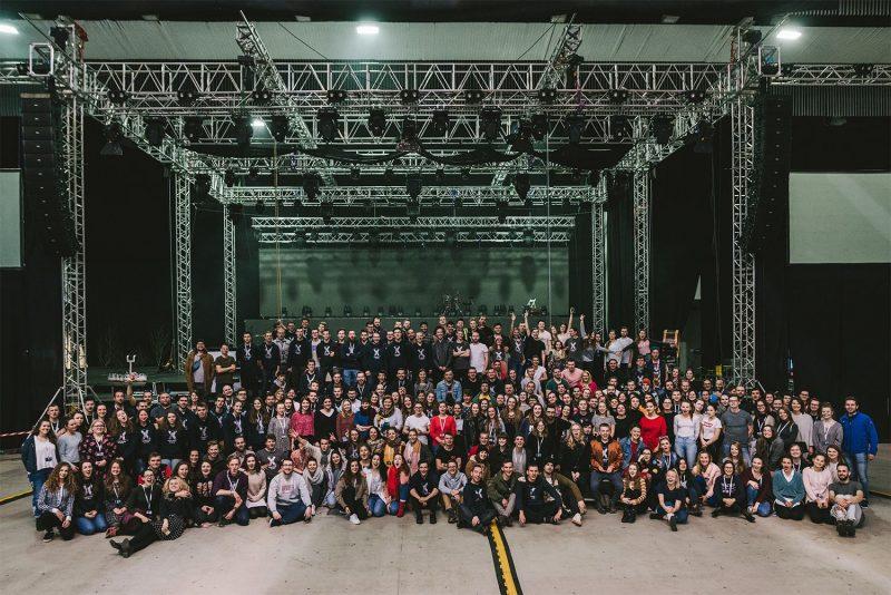 300-členný tím Godzone tour 2018